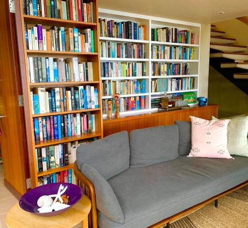 Sarah Fielke library
